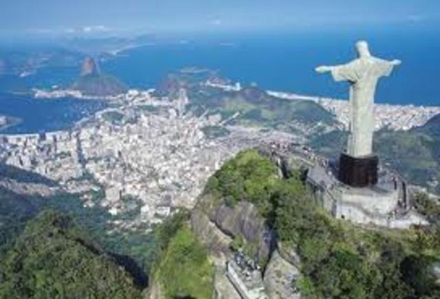 Brasil tuvo experiencias de educación a distancia, pero no alcanzó madurez por diferentes circunstancias.