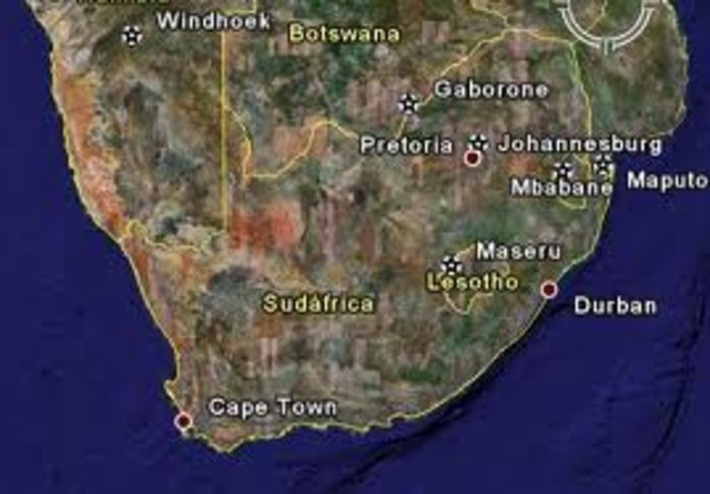 En sudafrica se empezaron a impartir estudios de nivel sueprior bimodal.
