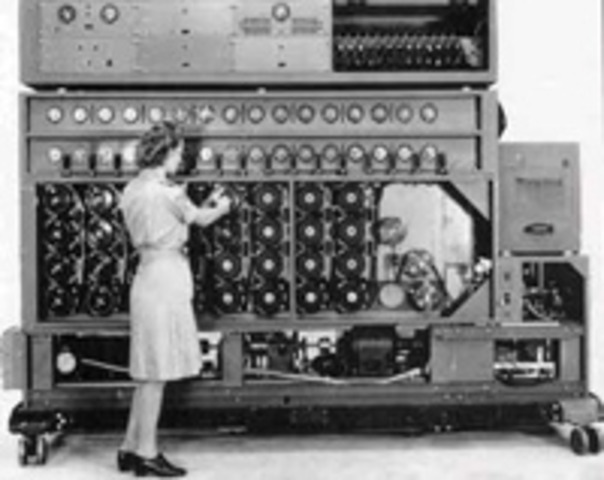 Invention of the programmable digital electronic computer