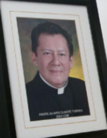 RECTOR PADRE ALVARO TORRES
