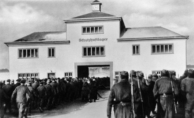 Se abre el subcampo de concentración de Oranienburg y el campo de concentración de Sachsenhausen (ambos en Alemania). Se arresta y deporta al campo de concentración de Dachau (Alemania) a los gitanos alemanes.