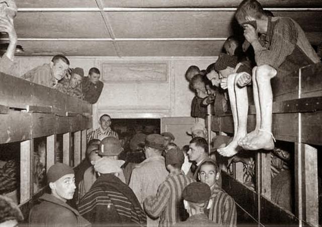 La Gestapo ordena que todos los Testigos de Jehová que salgan de la cárcel deben enviarse directamente a campos de concentración.