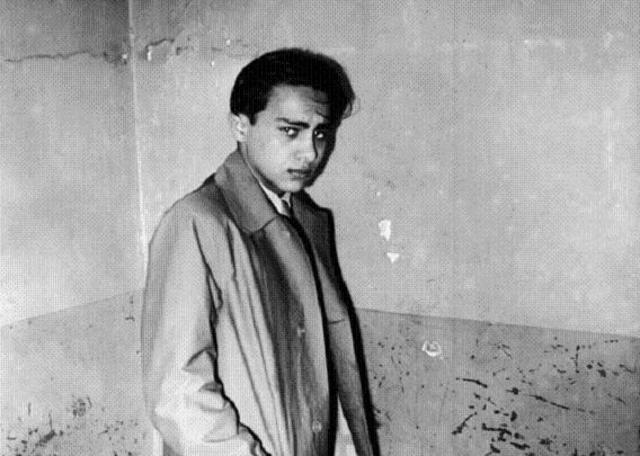 Herschel Grynszpan, cuyos padres fueron deportados de Alemania a Polonia, asesina en París (Francia) al tercer secretario de la Embajada nazi Ernst von Rath.