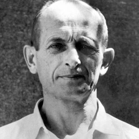 """Adolf Eichmann encabeza la """"Oficina de Emigración"""" en Praga (Checoslovaquia)"""