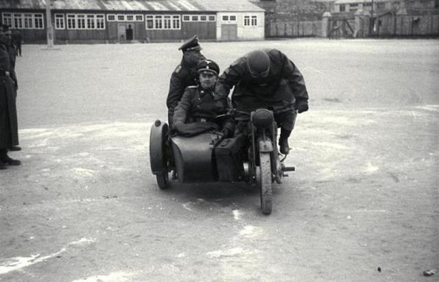 En Marzo de 1940 Karl Chmielewski se convierte en Comandante del subcampo Gusen (Austria). El SS Hauptsturmführer Georg Bachmayer es nombrado jefe de custodia (schuzthaflagerführer) de los detenidos de Mauthausen (Austria)