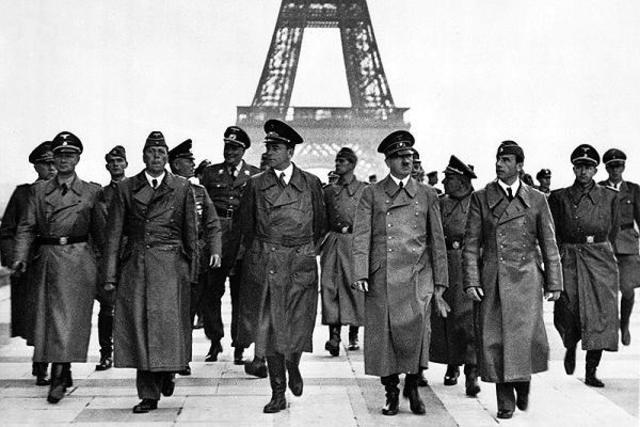 El ejército alemán llega a París (Francia)