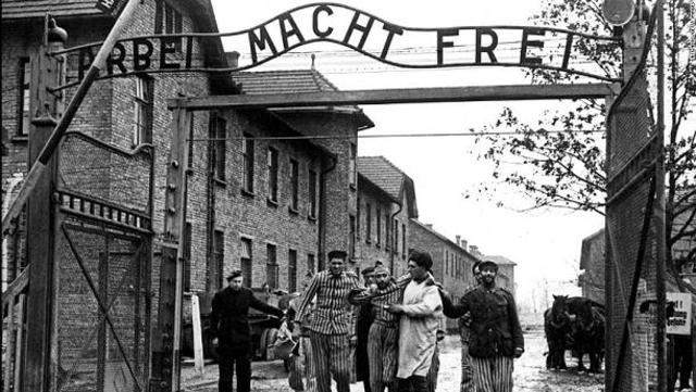 Inauguración del campo de exterminio de Auschwitz (Polonia)