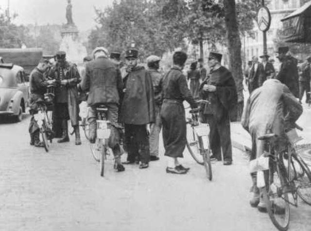 En Agosto de 1942 comienza la deportación de judíos croatas al campo de exterminio de Auschwitz (Polonia). 7.000 franceses son arrestados.