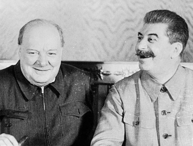 Consultas entre Churchill y Stalin en Moscú (Rusia)