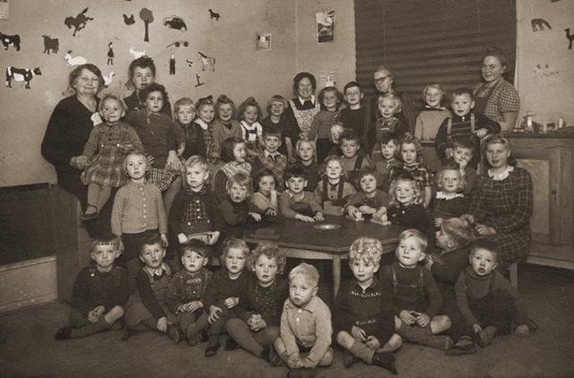 Orden de expulsar a los judíos de Dinamarca; gracias a la actividad de socorro del movimiento de resistencia danés, 9.000 judíos lograron huir a Suecia. Sólo 475 cayeron en manos de los alemanes.