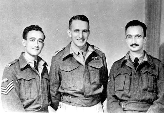 Lanzamiento de los primeros paracaidistas de la Tierra de Israel sobre el suelo de Rumania.