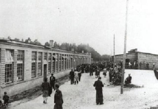 Se cierra definitivamente el campo de concentración de Poniatowa (Polonia)