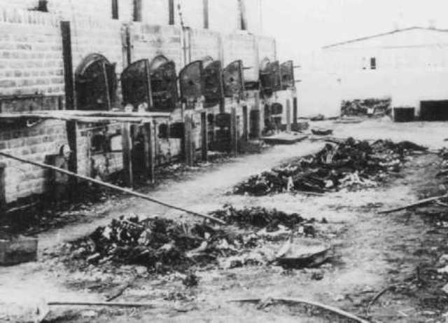 Se evacua el campo de concentración y exterminio de Majdanek (Polonia)