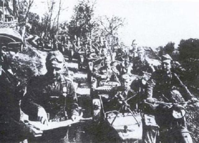 Del 28-29 de Agosto al 27 de Octubre de 1944, miembros de la resistencia eslovaca se enfrentan al gobierno eslovaco apoyado por los alemanes.