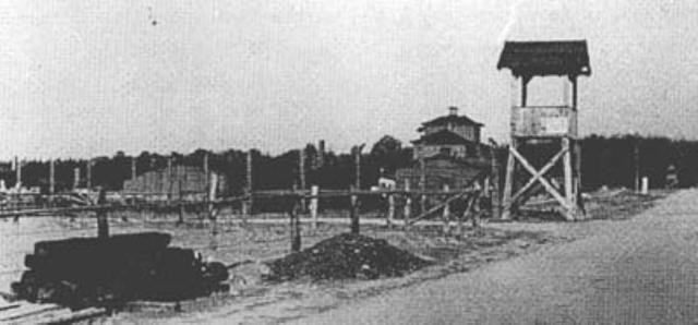 Las tropas aliadas encuentran abandonado el campo de concentración de Niederhagen (Alemania)