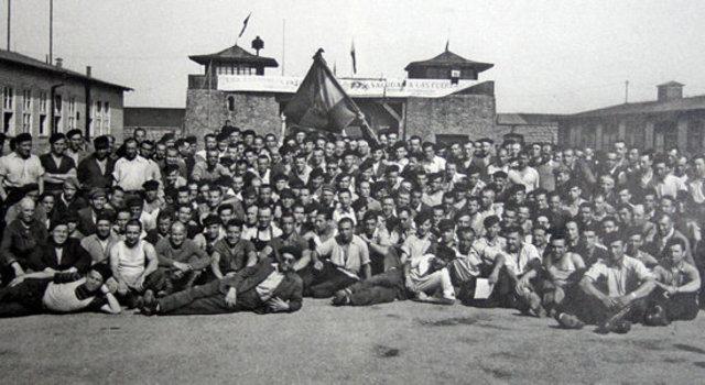 En Agosto de 1945 las tropas rusas, por acuerdo con las demás tropas aliadas, asumen el control del campo Mauthausen y de su subcampo principal Gusen (ambos en Austria)