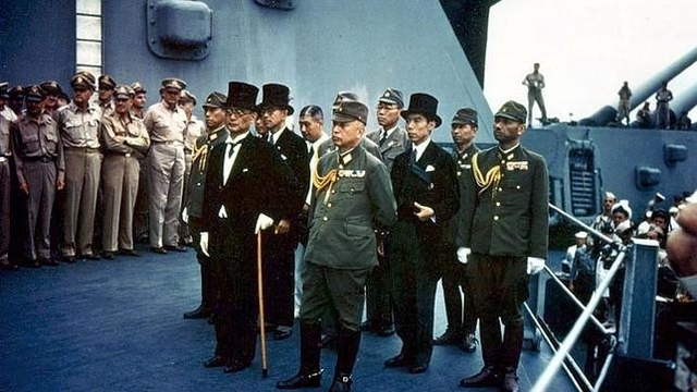 Japón se rinde. La Segunda Guerra Mundial termina oficialmente.