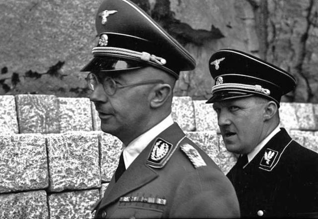 Sentencia en el primer proceso de Mauthausen en Dachau (Alemania); el Gauleiter (gobernador) August Eigruber, el médico Eduard Krebsbach y otros, hasta un total de 58 son condenados a morir en la horca. Los 3 restantes, a Cadena Perpetua.