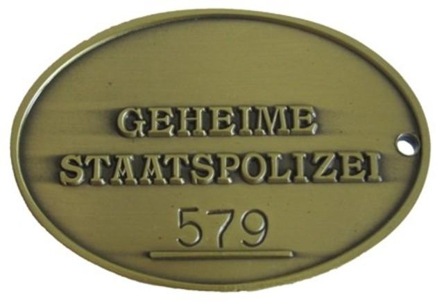 Se forma la Gestapo (Geheime Staatpolizei, Policía Secreta del Estado)