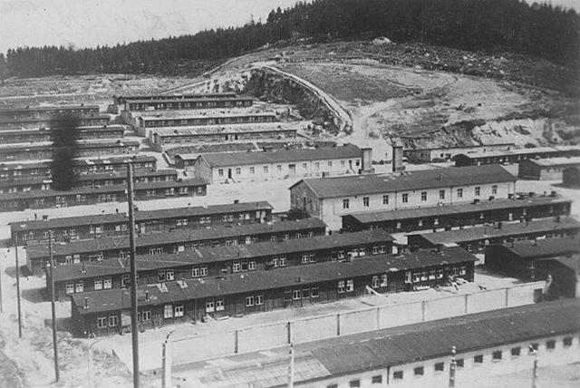 Se abre el campo de concentración de Flossenbuerg (Alemania)