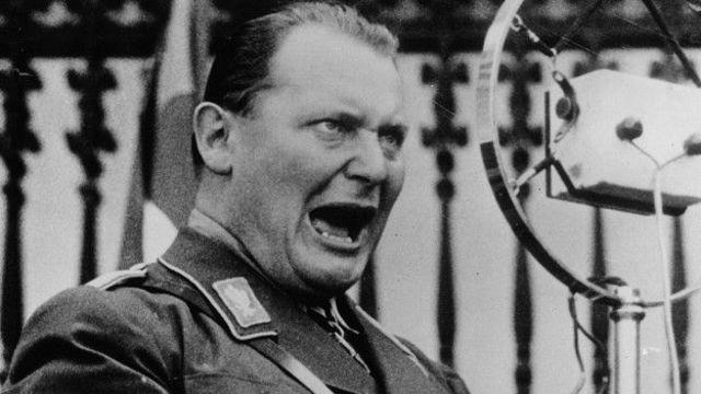 """Hermann Goering toma en sus manos el resolver la """"Cuestión Judía""""."""