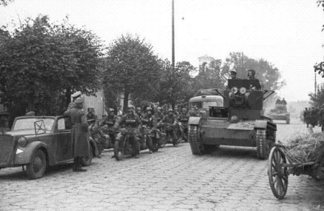 Invasión del Ejército Rojo a la parte oriental de Polonia.