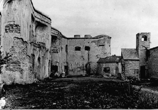 Durante 1940 se abre el campo de concentración de Ninth Fort (Lituania)