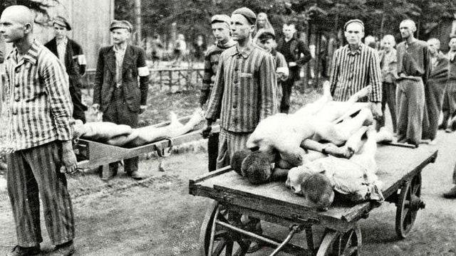 Llega al campo de concentración de Mauthausen (Austria) el primer convoy con 392 prisioneros republicanos españoles.