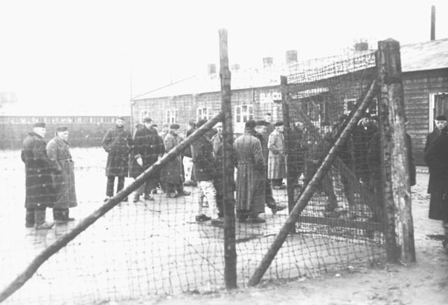 Durante 1941 se abren los campos de concentración de Amersfoort (Holanda) y de Schimeck (Alemania). Se cierra el campo de concentración de Ninth Fort (Lituania) y sus prisioneros dispersados a otros campos.