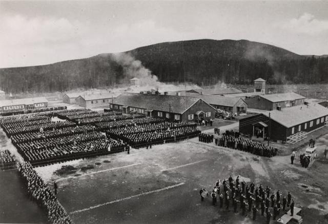 Se abre el campo de concentración femenino de Grini (Noruega)