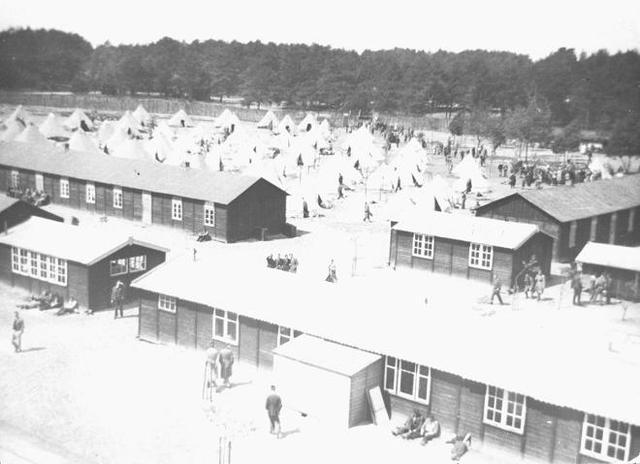 Se abre el campo de concentración de Ommen (Holanda)