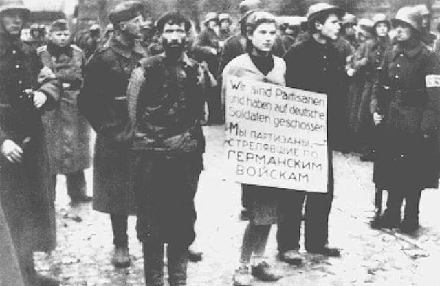 En Julio de 1941 se establecen ghettos en Kovno (Lituania), Minsk (Bielorrusia), Vitebsk (Bielorrusia) y Zhitomir (Ucrania)