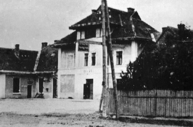 Iniciación del exterminio en los crematorios del campo de exterminio de Belzec (Polonia). Hasta Diciembre de 1942 se exterminó allí a 600.000 judíos.