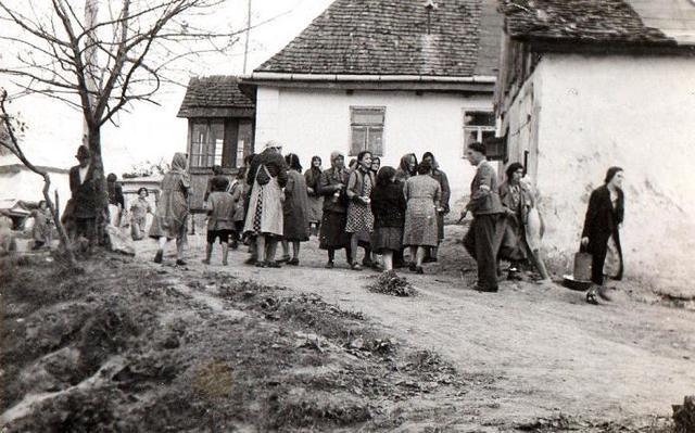 Se abre el campo de concentración y exterminio de Rawa Ruska (Ucrania)