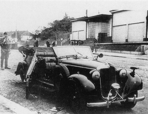 Reinhard Heydrich es objetivo de un atentado en la ciudad de Praga (Checoslovaquia) falleciendo por la gravedad de las heridas el 4 de Junio.