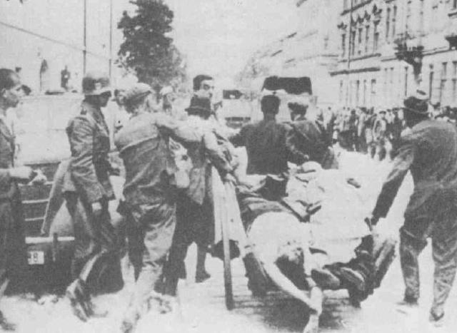 """Del 10 al 29 de Agosto de 1942 """"Aktion"""" en el ghetto de Lewow (Ucrania). 40.000 deportados son llevados a los campos de exterminio para su aniquilación total."""