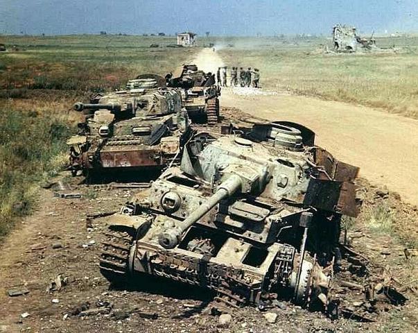 Rendición de las tropas italo-germanas en Túnez.