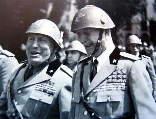 Revolución en Italia: Badoglio depone a Mussolini.