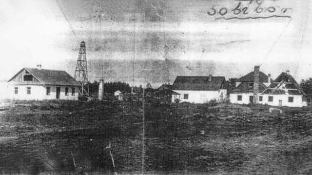Rebelión de los prisioneros del campo de exterminio de Sobibor (Polonia) donde habían muerto ya 250.000 judíos; este campo es destruido y en su lugar fueron sembrados árboles.