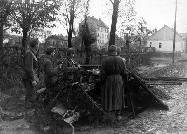Invasión del ejército alemán en Hungría en donde viven más de 725.000 judíos.