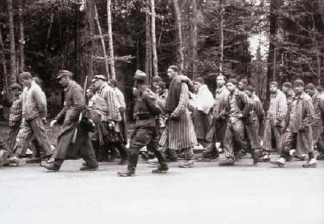 Se evacua el campo de concentración de Dachau (Alemania) y de Stutthof (Polonia)