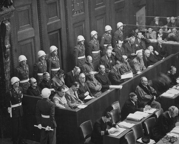 Comienzan los Juicios de Nuremberg (Alemania) por los Crímenes de Guerra y contra la Humanidad.