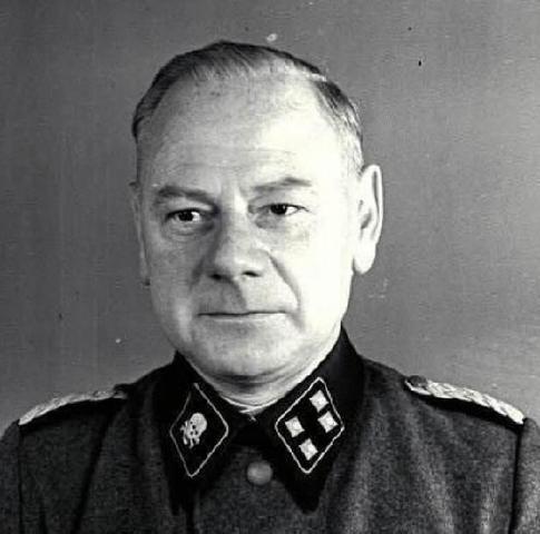 Comienza el primer proceso de Mauthausen (Austria) en Dachau (Alemania) que duró hasta el 13 de Mayo de 1946 y sentó en el banquillo a Hans Altfulsdisch y otros 60 nazis más estando entre ellos el médico Eduard Krebsbach.