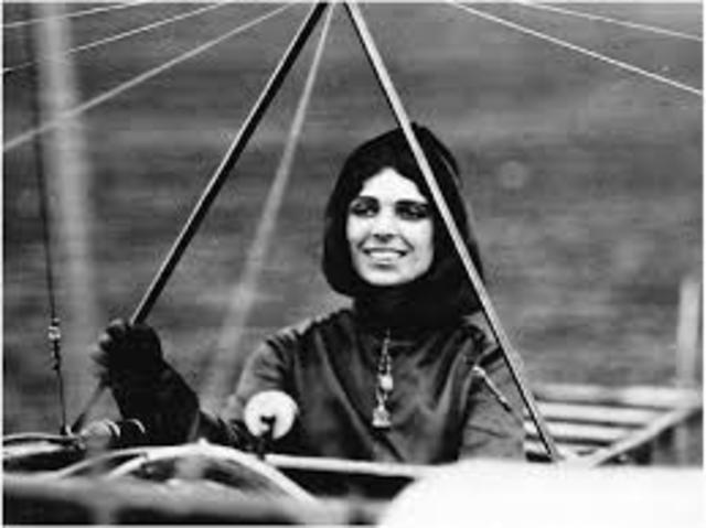 First Woman to get Pilots Licence
