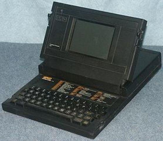 Primer ordenador tipo LAPTOP