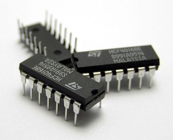 Uso de circuitos integrados con miles de componentes