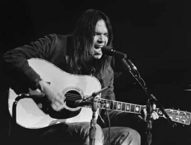 El primero en solitario de Neil Young,
