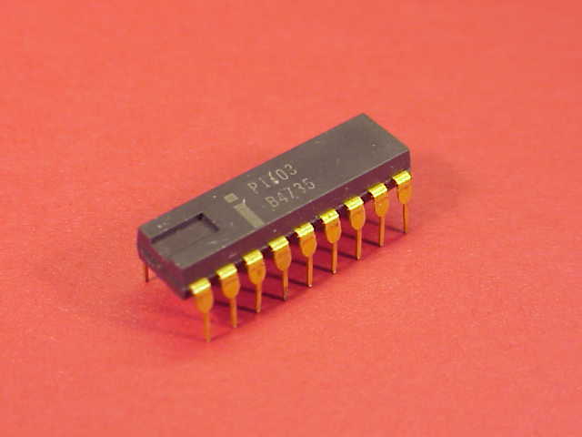 Intel - DRAM de1024 bytes.