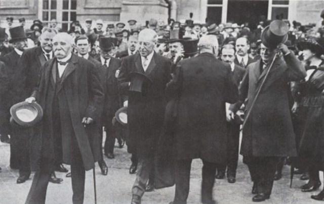 Austria firma el tratado de Saint-Germain