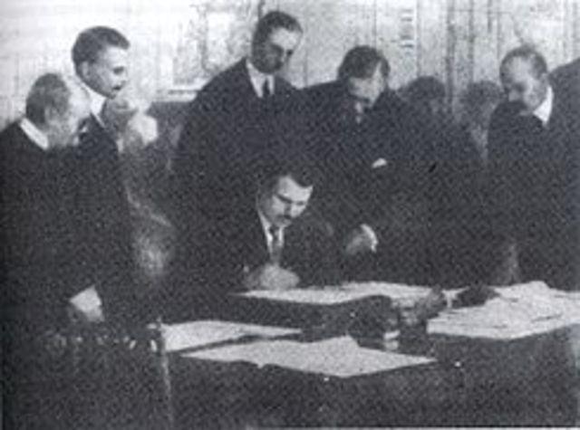 Bulgaria firma el tratado de Neuilly